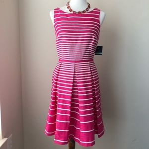 🌷🌷NWT Just...Taylor Pink and Ivory Dress🌷🌷